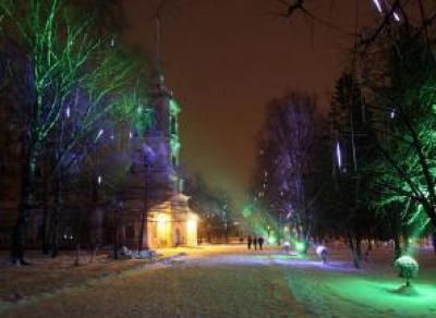 На площади Революции откроют новый каток