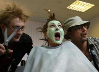 Вологодский парикмахер сбывал своим клиентам наркотики