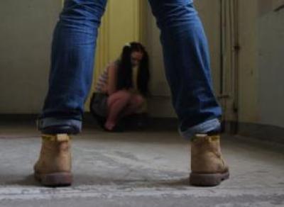 Вологжанин обнажался перед школьницами в подъездах