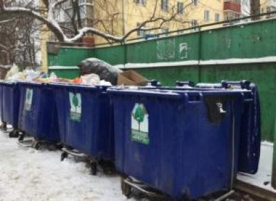 Коммунальщикам запретили покупать мусорные контейнеры за счет вологжан