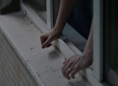 Вологжанка выпрыгнула из окна 10-го этажа