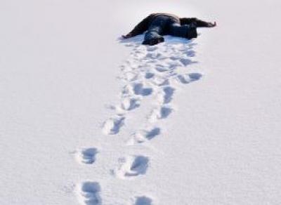 В Вологодской области мужчина насмерть замерз на улице
