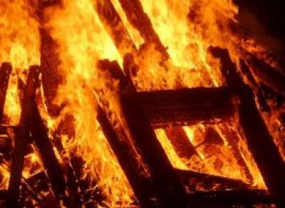 2 пожара в Вологде за ночь: один дом подожгли неизвестные