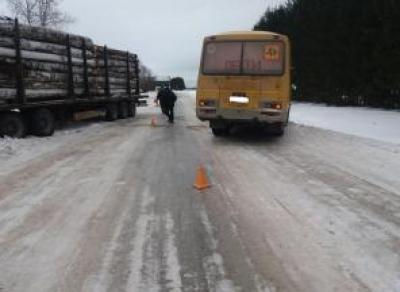 В Вологодской области школьный автобус попал в ДТП: один пострадавший
