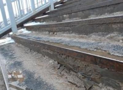 В Вологде начал разваливаться Красный мост