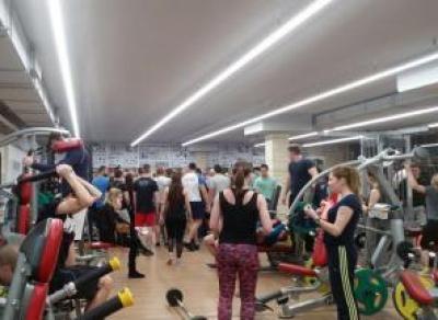 Как тренироваться, когда в зале толпа