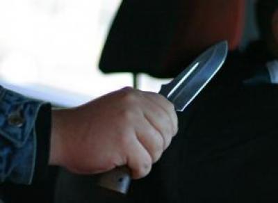 В Вологде мужчины напали на таксиста и угнали машину