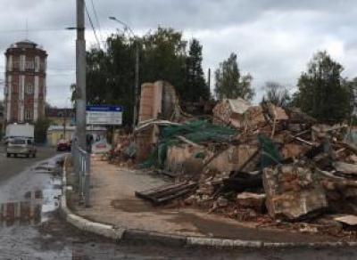 Суд обязал ООО «Аудит» выплатить штраф за снос здания «Труда»