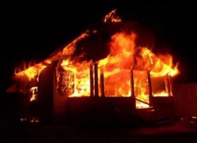 В Вологодской области женщина заживо сгорела в своем доме