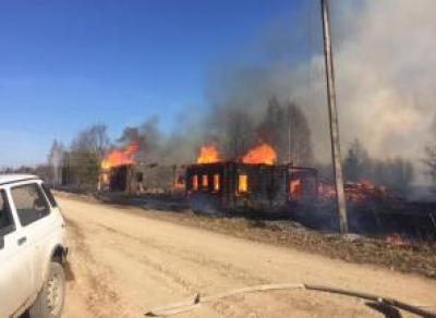На Вологодчине мужчина нечаянно спалил дотла три дома