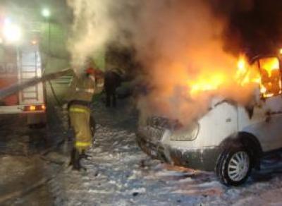 В Вологде загорелись КамАз и Газель