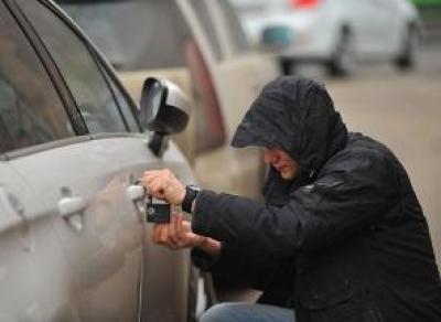 Пьяный вологжанин угнал машину у отца своей девушки