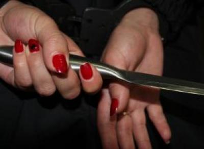 Обороняясь от разбушевавшегося сожителя, вологжанка зарезала его ножом
