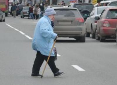 Вологжанка переходила дорогу на «красный» и была сбита