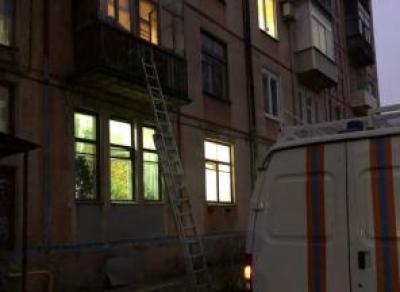 Череповчанка 6 часов мёрзла на балконе