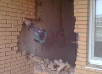 В Череповце рабочего убило кирпичной стеной