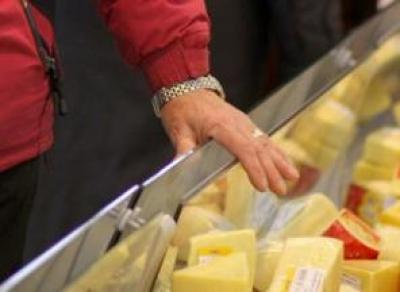 Безработный вологжанин украл сыр и рыбу