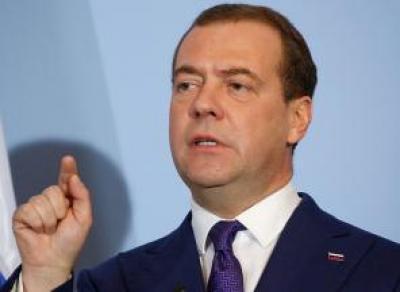 Медведев призвал единороссов отдать зарплату больницам