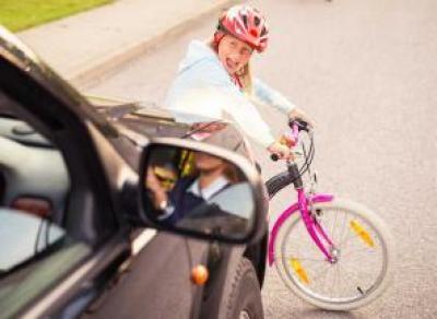 Девочку на велосипеде сбили в Молочном