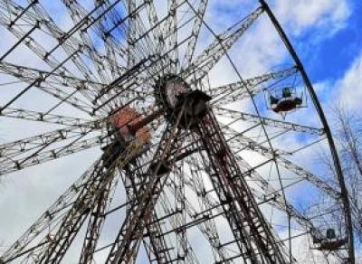 В Вологде разбирают колесо обозрения