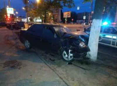 Два автомобиля не поделили перекресток в Вологде