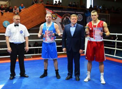 Илья Квасников стал лучшим боксером чемпионата СЗФО