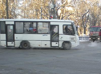 В областной столице автобус ехал с зажатым в дверях мальчиком