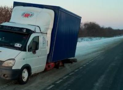 Водитель грузовика сбил человека и скрылся