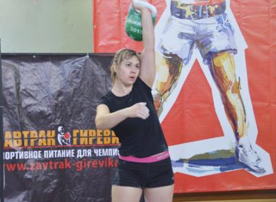 Грязовчанка Анна Попова стала победительницей 3 этапа Кубка Мира по гиревому спорту