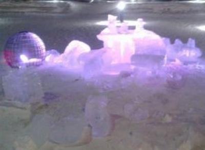 В Череповце вандалы разрушили все ледяные скульптуры