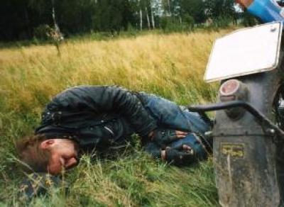 Пьяный мопедист разбился на ж/д путях