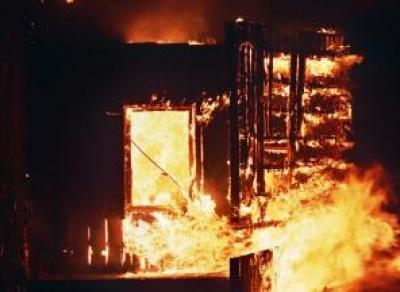 В Никольском районе 76-летняя женщина и ее дочь заживо сгорели в своем доме