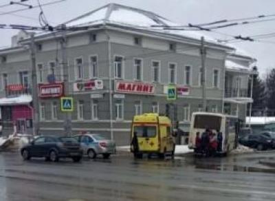 Водитель автобуса потерял сознание в Вологде
