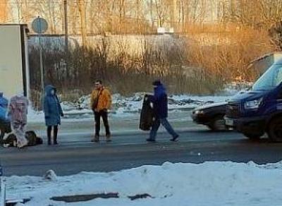 Микроавтобус сбил пенсионерку в Вологде