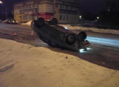 Опасный маневр: вологжанин перевернулся на машине на Ярославской