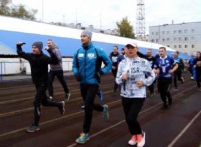 Биатлонист Максим Цветков обещает бесплатно тренировать вологжан