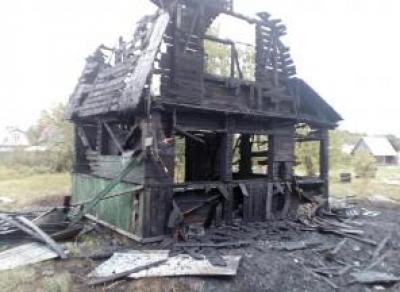 В Череповце вновь горят дачные дома
