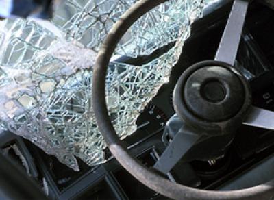 В Вологодской области женщина за рулем въехала в автобус