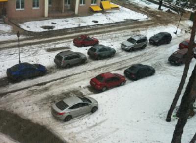 За парковку на газоне можно будет получить штраф