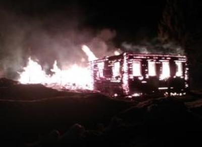 Пожар в Кадуйском районе: дом сгорел дотла, есть погибший
