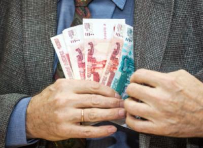 Зам. директора череповецкой фирмы получил взятку в 140 тыс. руб.
