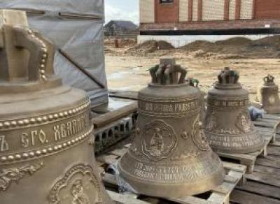 В храмовый комплекс в Северном районе Череповца привезли колокола