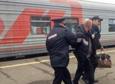 Агрессивный пассажир избил начальницу поезда