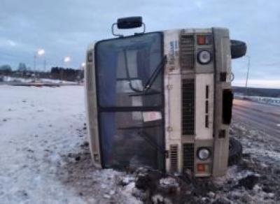 ПАЗ с пассажирами перевернулся под Череповцом