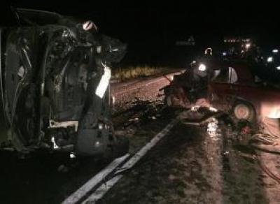 ВАЗ выехал на встречку: водитель погиб на месте