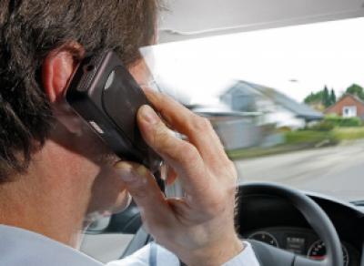 Телефонные разговоры за рулём будут отслеживать камеры