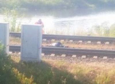 Мужчина погиб под поездом