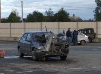 Два ребенка и два взрослых пострадали в ДТП в Вологде