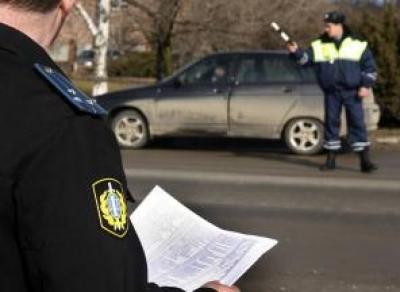 Приставы ловят должников на дорогах