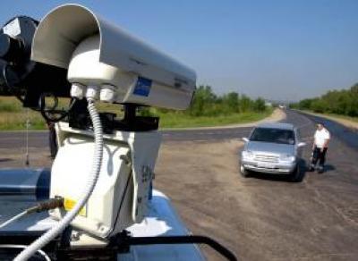 Водителей-должников вычислят по камерам